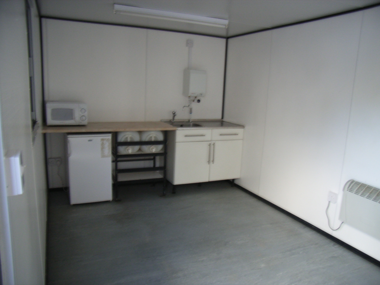 typical 24' welfare unit canteen